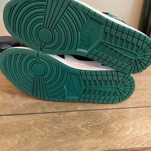 "Jordan Shoes - Jordan 1 Low ""Mystic Green"""